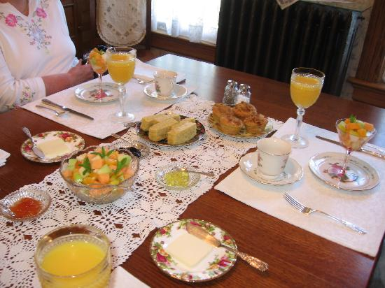 Scandinavian Inn: First Course at Breakfast