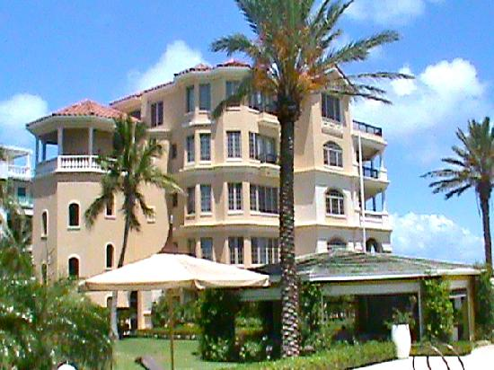 Somerset on Grace Bay