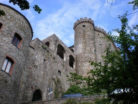 Castello Malaspina di Fosdinovo: Il castello di Fosdinovo