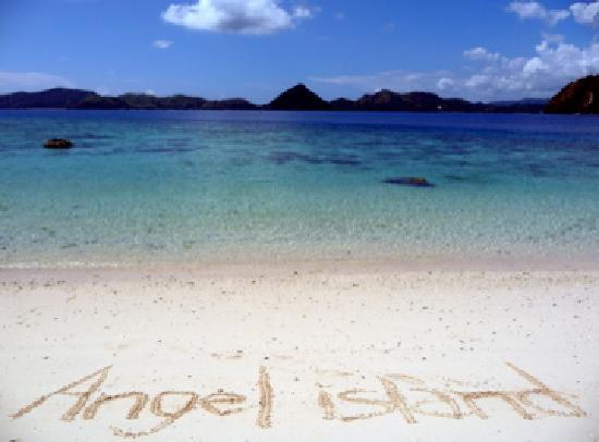 Angel Island Resort : White beach