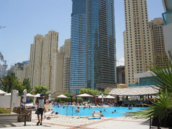 Gardens hotel and jumeirah beach residence above the for Garden pool dubai