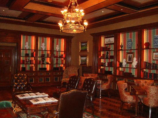 Fairmont Grand Del Mar : Library