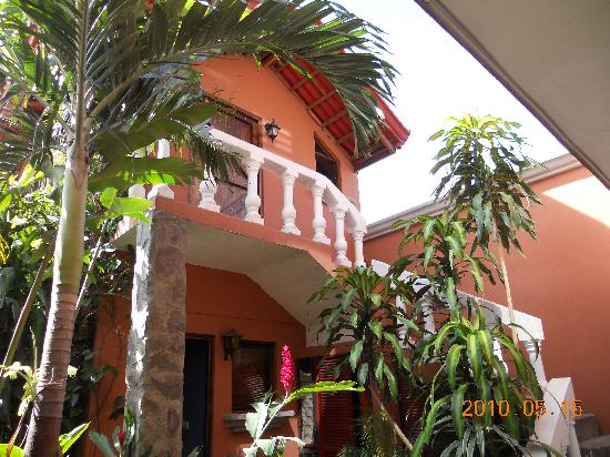 Casa Bella Rita Boutique Bed & Breakfast: Separate Cabina with 1 room up & 1 down