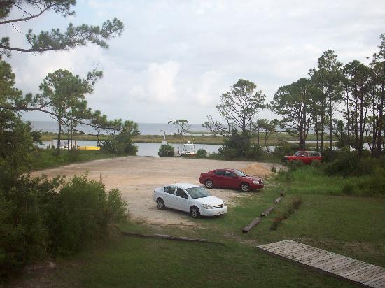 Gulf Breeze Motel: View from back