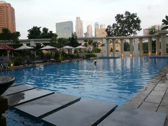 Large Swimming Pool Picture Of Park Hotel Clarke Quay Singapore Tripadvisor