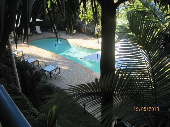 Carrara, Australia: View of the small pool from our balcony