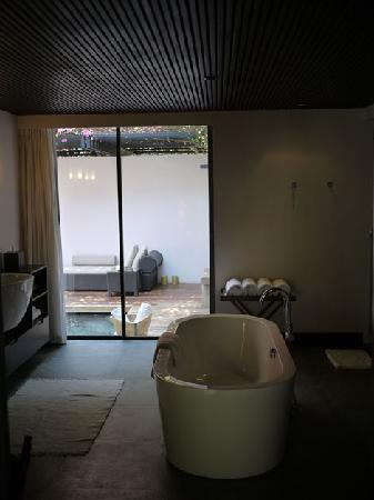 Abaca Boutique Resort : Bathroom