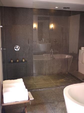 Abaca Boutique Resort: Shower