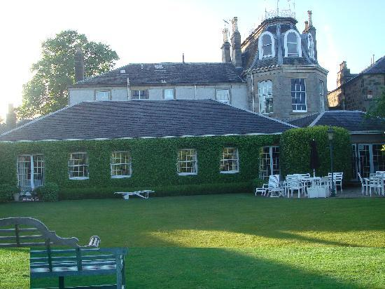 Park Lodge Hotel: Rear Garden area