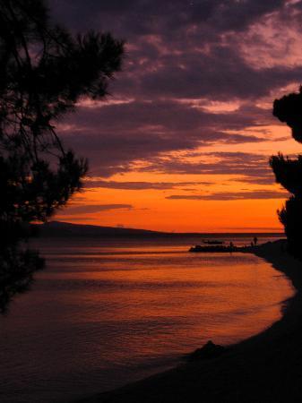 Bluesun Hotel Marina: Another glorious sunset in Brela
