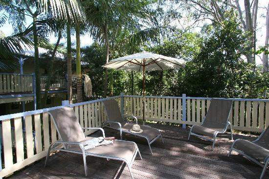 Noosa Country House: Wonderful large verandahs