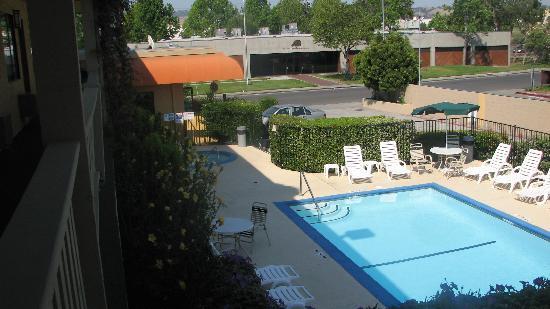 Quality Inn Oakland: Pool