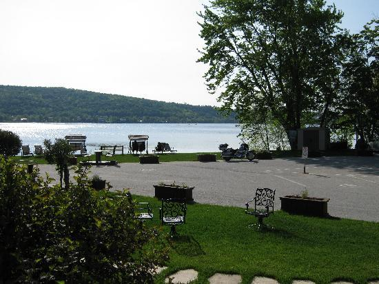 Le Manoir du lac William: Vue sur le Lac