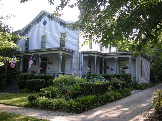 Oakwood Inn Bed and Breakfast: Oakwood Inn