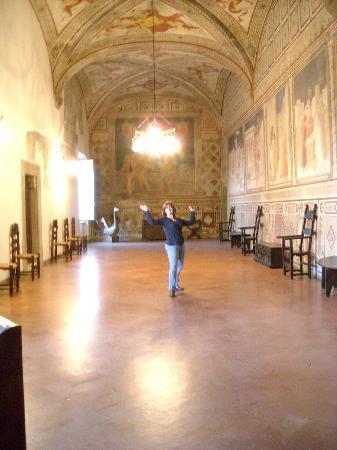 Castello Malaspina di Fosdinovo: The ballroom!