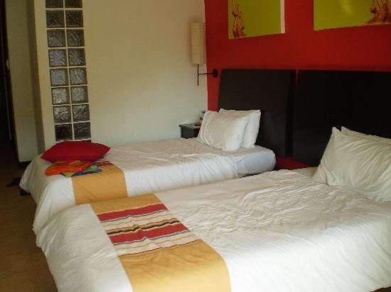 Centara Kata Resort Phuket: deluxe  twin room