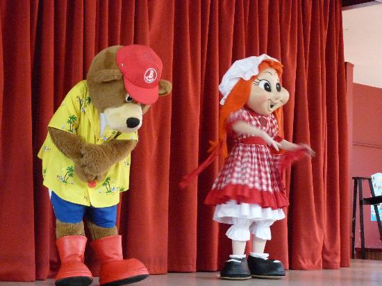 Hafan y Mor Holiday Park - Haven: bradley bear and polly