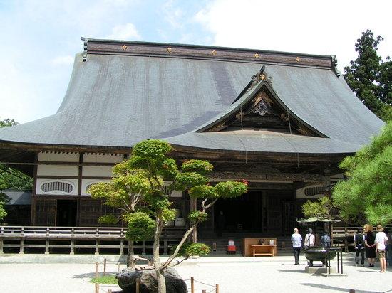 Chuson-ji Temple : Hondo