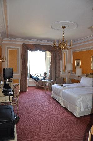 Hotel Maria Cristina, a Luxury Collection Hotel, San Sebastian: beautiful room, fantastic view