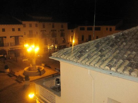 Hotel Dona Anita: vistas por la noche  y tranquilidad en la plaza