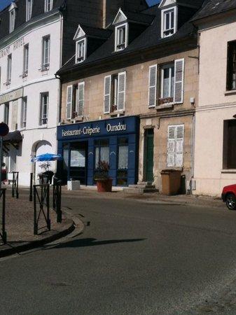 Creperie L'Ouradou: Creperie facade