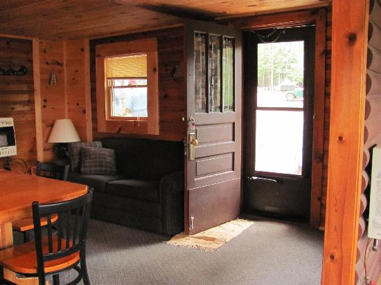 Ely, MN: Couch/front door of our cabin