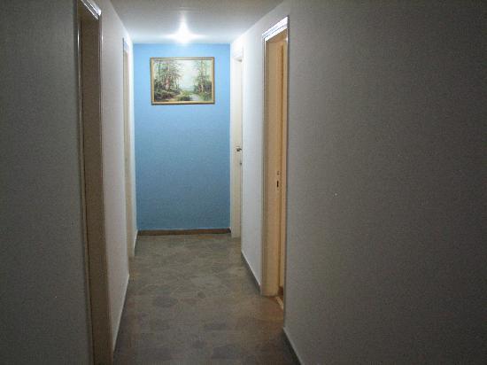 Pasiphae Hotel: Pasillo de las habitaciones