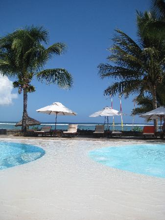 Sands Suites Resort & Spa : Entre piscine et jacuzzi... avec vue !