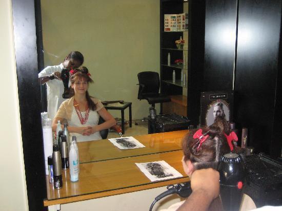 Sands Suites Resort & Spa: Chez le coiffeur... pour le mariage