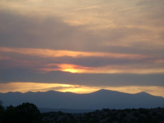 Four Seasons Resort Rancho Encantado Santa Fe: Sunset from the Room
