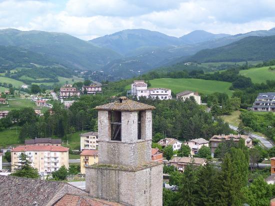 Cascia, Italie : panorama della Valnerina