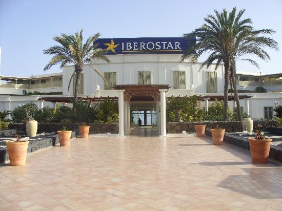IBEROSTAR Lanzarote Park: entrance to the hotel