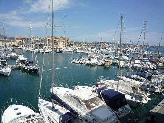 Pierre & Vacances Residenz Cap Hermès: vue sur le port
