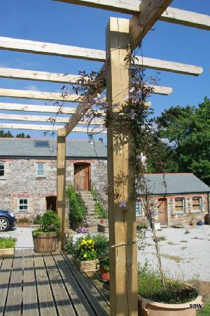Rowan Barn: The garden