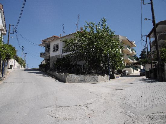 Hotel Ammos: you have a choice of two entrances. One hill is less steep than the other.Choose left or right.