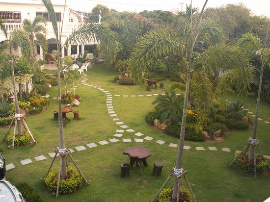 Surin, Thailand: Blick vom Fenster in Garten