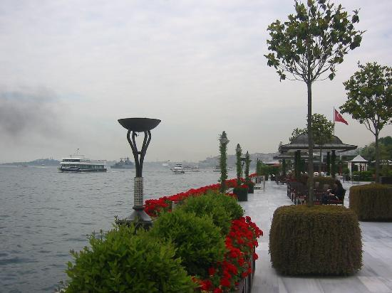 Four Seasons Istanbul at the Bosphorus: View from the patio looking toward Seragalio Point