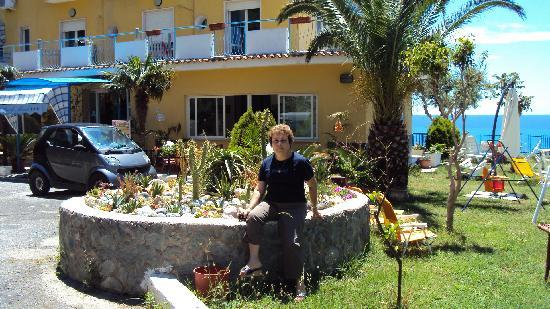Terme Luigiane, Италия: Il giardino dell'Hotel