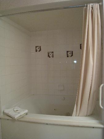 Sunchaser Vacation Villas at Riverside : Large bathtub