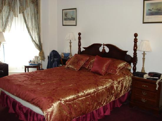 Abigayle's Bed and Breakfast: Lovely room