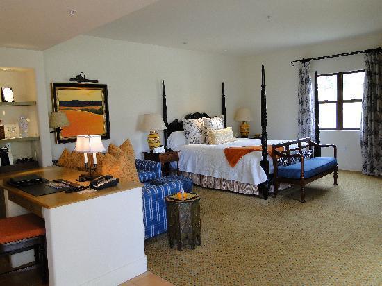 Ojai Valley Inn & Spa: shangri-la king with fireplace