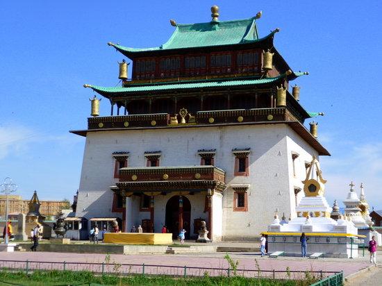 Gandantegchenling Monastery: Gandan Monastery Migjig Janreisig Süm