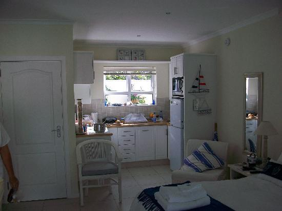Abeach Cottage: Looking toward kitchen.