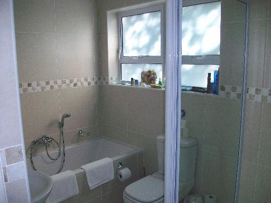 Abeach Cottage: Bathroom