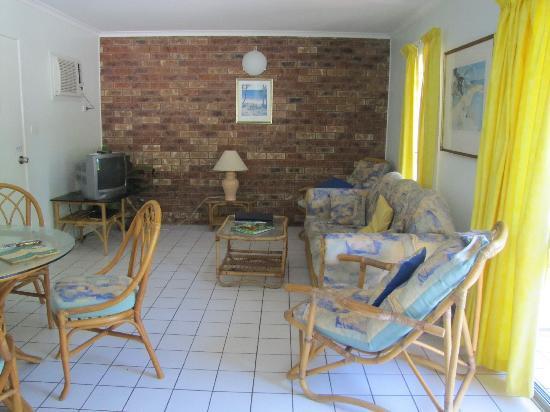ليتشي تري هوليداي أبارتمينتس: living room