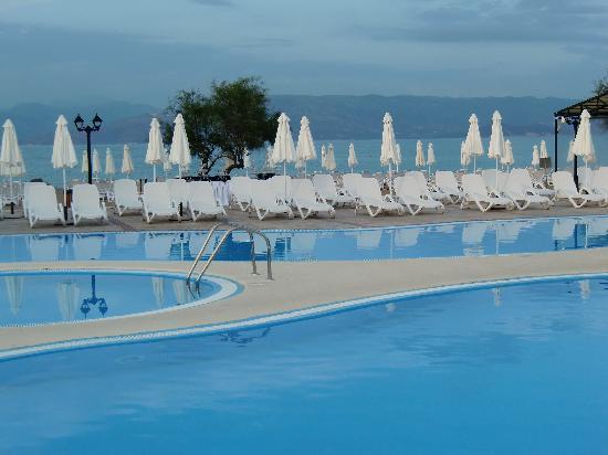 Mayor Capo Di Corfu: Piscine et plage