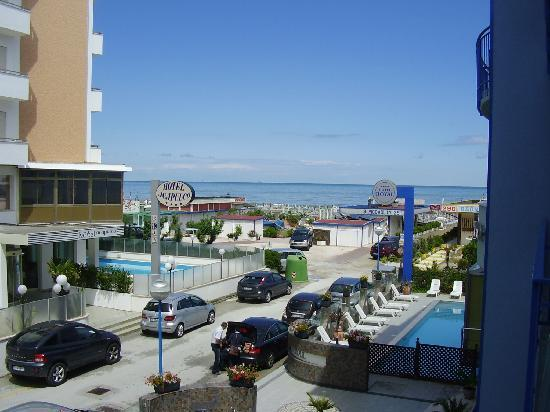 Hotel Royal: Vista dal balcone della camera