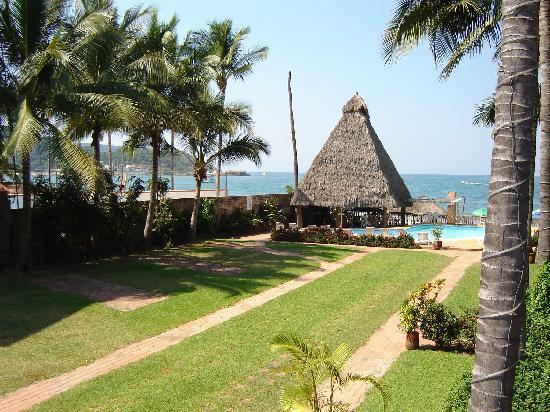 Jardin principal picture of las cabanas del capitan for Jardin principal location