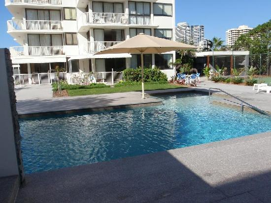 Boulevard Towers: Pool