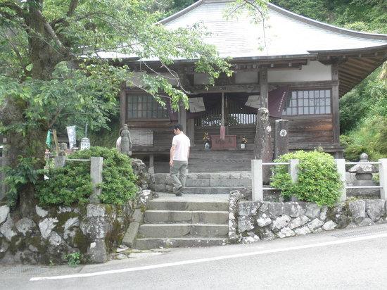Yaguradake: 下山地の地蔵堂です。